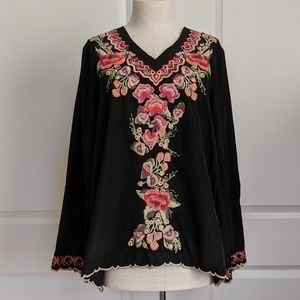 Faith & Zoe Floral Embroidered L/S Black M NWT